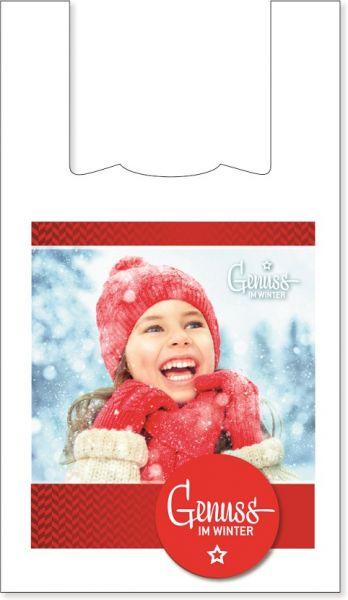 """Bedruckte Hemdchentragetasche mit Kind in Winterkleidung als Motiv und Aufschrift """"Genuss im Winter"""""""