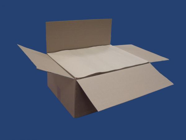 Karton mit ¼ Bogen braunem Einschlagpapier
